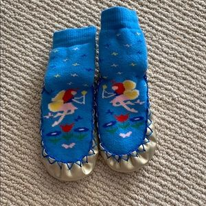 Hannah Andersson slippers